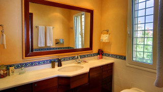 blue sea villa monambeles bathroom