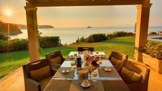 blue sea villa monambeles dining table
