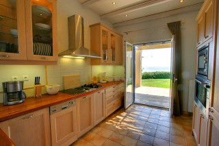 blue sea villa monambeles kitchen