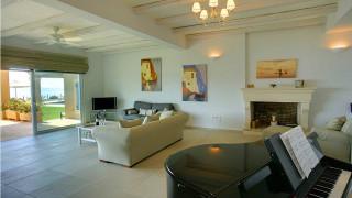 blue sea villa monambeles living room