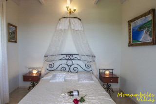 cleo villa monambeles bedroom