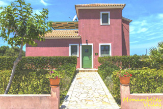 cleo villa monambeles entrance