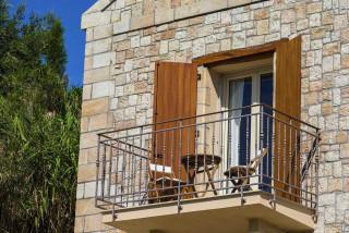 cleopatra villa monambeles balcony