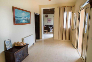 cleopatra villa monambeles interiors