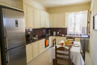 cleopatra villa monambeles kitchen