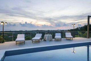 cleopatra villa monambeles pool view