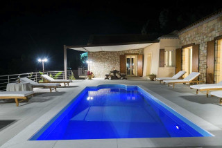 cleopatra villa monambeles swimming pool