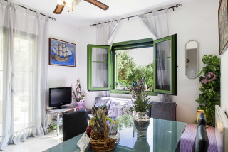 elena villa monambeles living room
