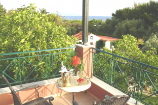 elvira villa monambeles balcony