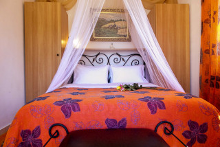 elvira villa monambeles bedroom-02