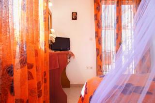 elvira villa monambeles bedroom-03