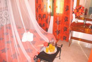 elvira villa monambeles room