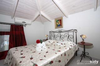 valentina villa monambeles bedroom